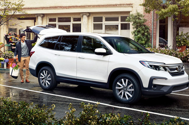 Compare the 2019 Honda Pilot near Christiansburg, VA | Cole Honda