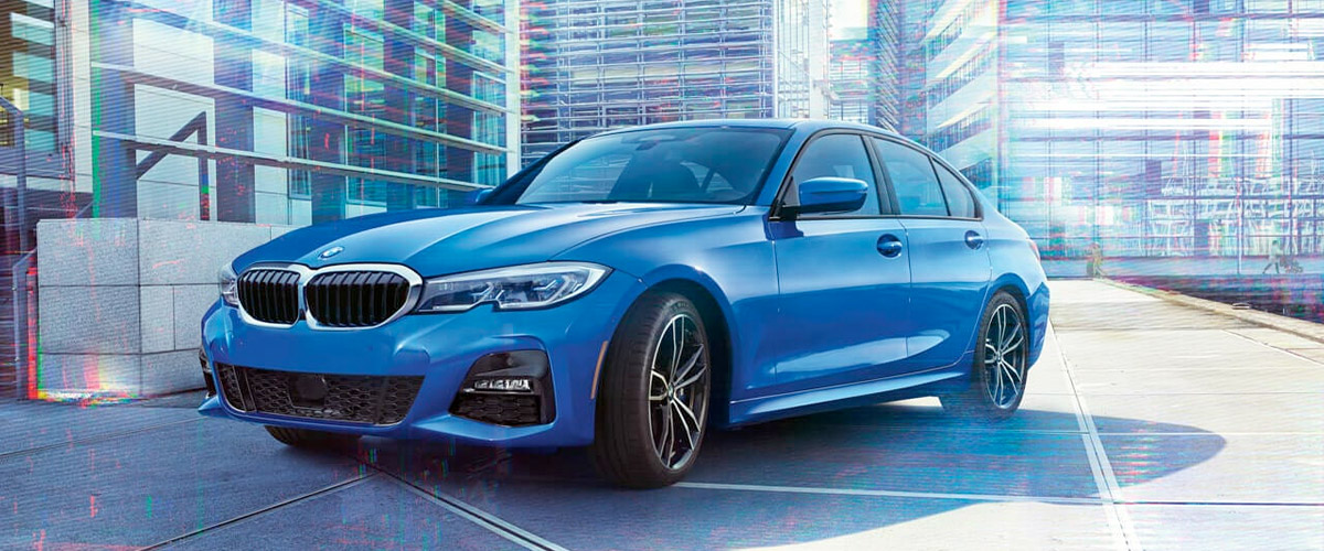 2020 BMW 3 Series: in Portimao Blue Metallic in city background