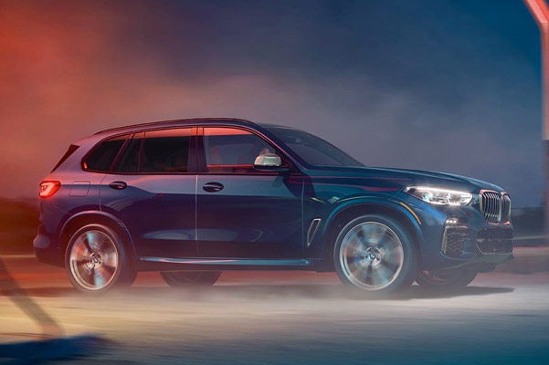 The BMW X5 has available xDrive, giving you superior handling in all conditions, so you can confidently take on any challenge.