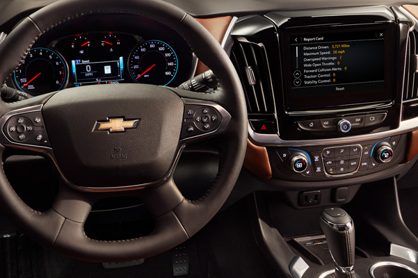 2020 Chevrolet Traverse Mid-Size SUV Steering Wheel and Touch Screen