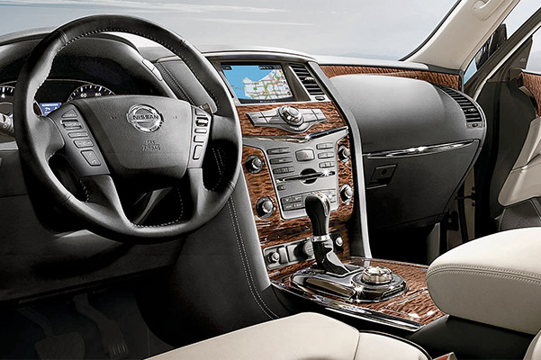 2020 Nissan Armada Wood-tone Trim