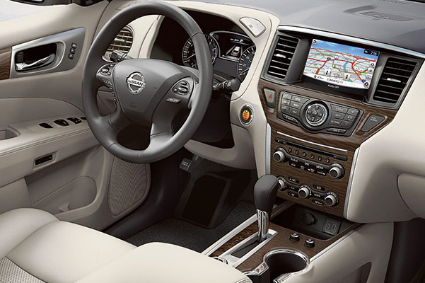 2020 Nissan Pathfinder Interior & Technology