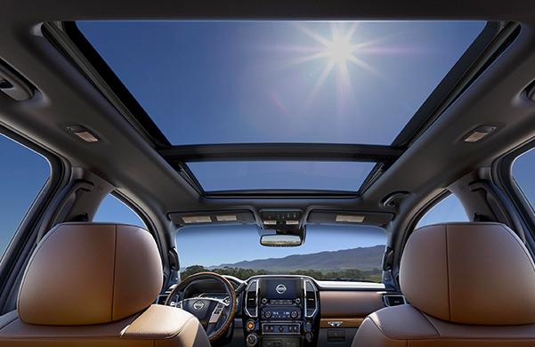 2020 Nissan TITAN Interior & Technology