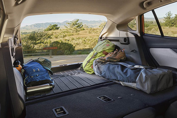 Subaru Image: Spacious cargo area with 60/40-split flat-folding seatbacks and available cargo tray