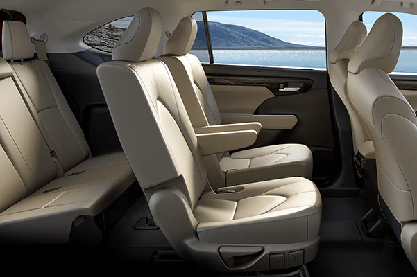 2020 Toyota Highlander 3 Row Seating