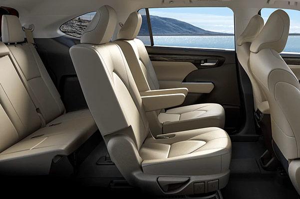 2020 Toyota Highlander 3 Row Seating