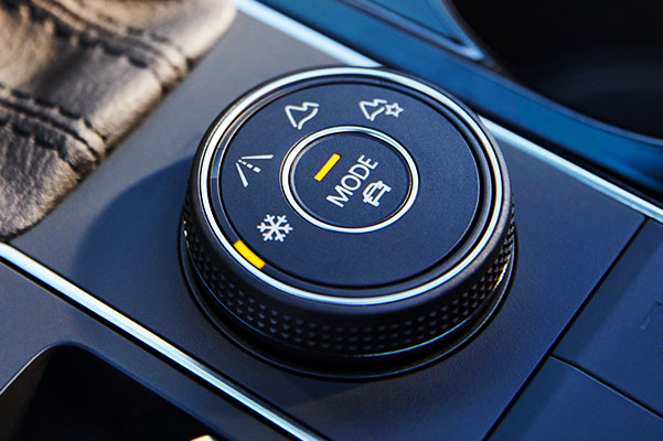 Driving modes: snow mode, on-road mode, off-road mode, off-road custom mode