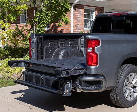 rear exterior view of 2021 Chevrolet Silverado Multi-Flex Tailgate
