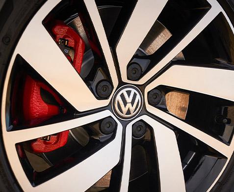 """18"""" twin 5-spoke machined alloy wheel."""