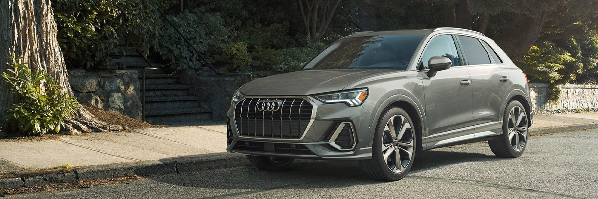 2021 Audi Q3 Gray parked