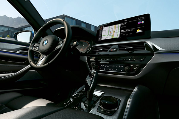 Richly appointed in its design, the elegant cockpit of the 2021 BMW 5 Series Sedan embodies a true driver's environment.