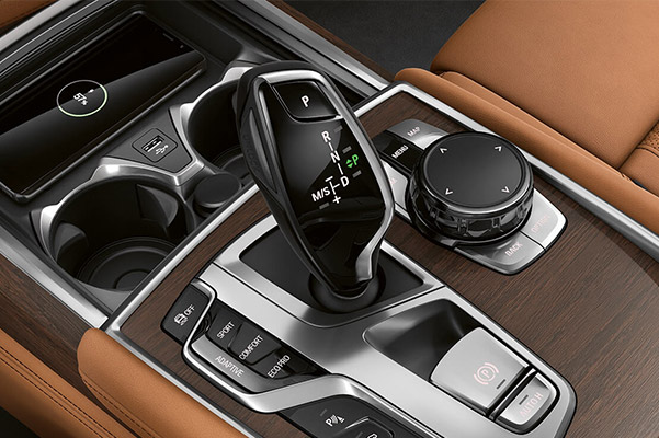 close up of bmw 7 series shift and drive modes