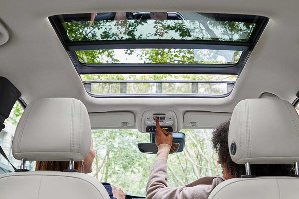 2020 Buick Encore GX Small SUV interior view of moon roof