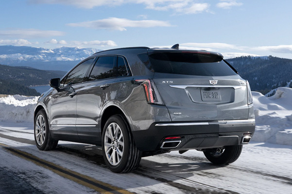 2021 Cadillac XT-5 in stain steel metallic on snowy road