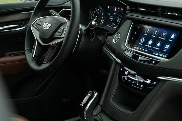 •	Cadillac user experience with embedded navigation