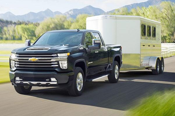2021 Chevy Silverado HD towing trailer