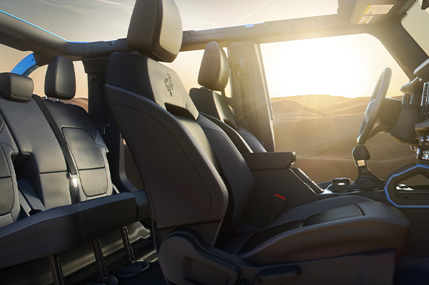 Interior of the 2021 Ford Bronco 4 door with the roof off