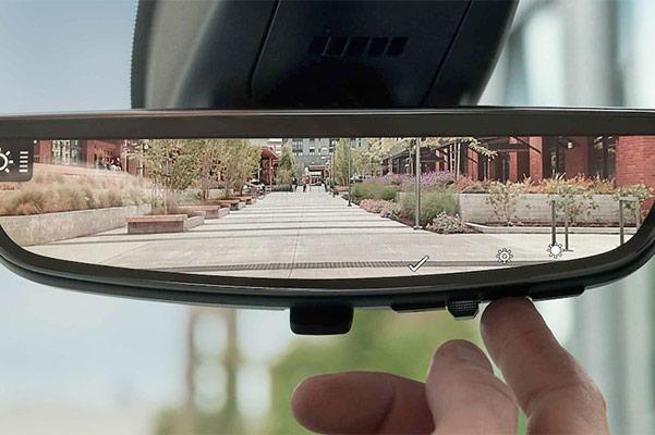 2021 GMC Acadia Rear view mirror camera
