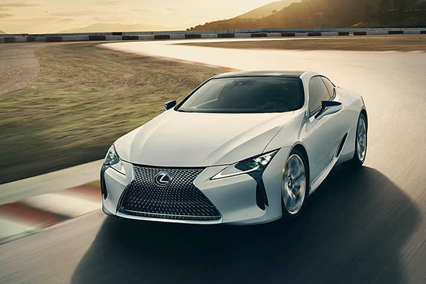 Exterior of the Lexus LC shown in Ultra white.
