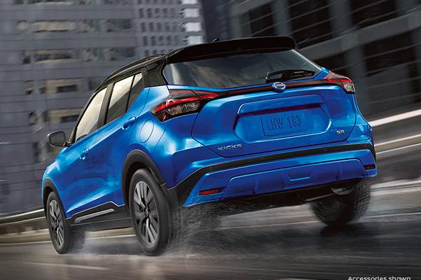 2021 Nissan Kicks in blue