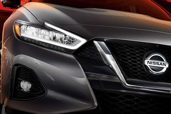 2021 Nissan Maxima signature boomerang headlights
