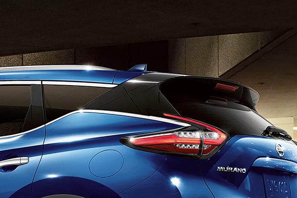 Nissan Murano sculpted aerodynamic rear design