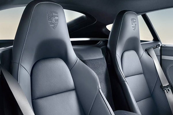 2021 Porsche 718 Boxster seats
