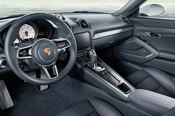 2021 Porsche 718 Cayman dashboard view