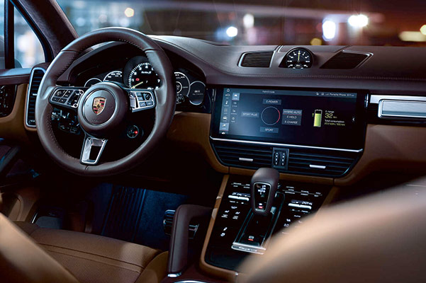 2021 Porsche Cayenne dashboard view