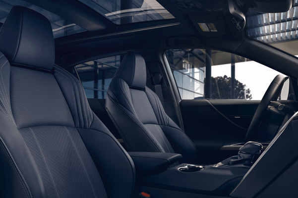2021 Toyota Venza black interior seating