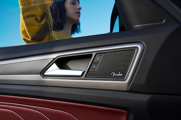 2021 Volkswagen Atlas side door Fender speaker