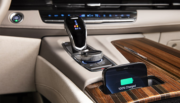 2022 Cadillac Escalade Sport Platinum; interior image seen in Whisper Beige with Gideon; Wireless Charging with Iphone