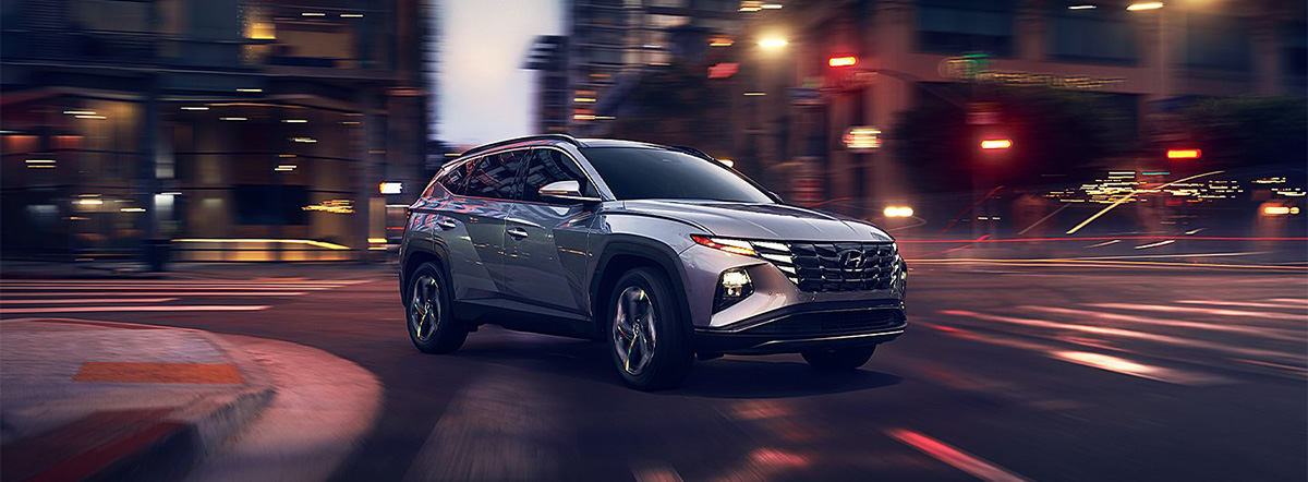2022 Hyundai Tucson driving in the city