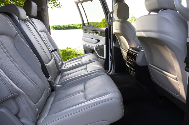 Interior view of 2022 Jeep Wagoneer