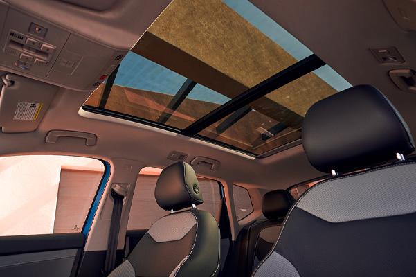 2022 Volkswagen Taos interior seats